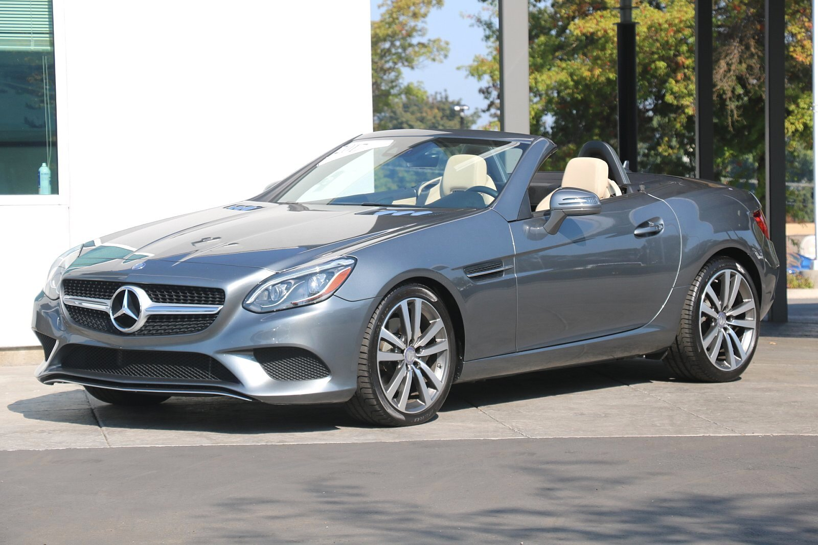 Pre-Owned 2017 Mercedes-Benz SLC 300 Rear Wheel Drive ROADSTER